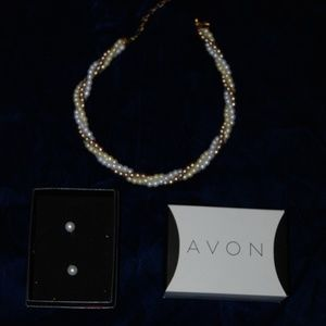 Avon Julie Gift Set 3 Tone Pearl Necklace/Earring